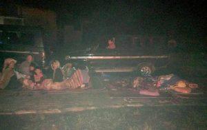 Pasca Gempa Bumi yang mengakibatkan padamnya listrik di kawasan Deliserdang & Karo, sejumlah warga di Kecamatan Sibolangit memilih beristirahat diluar rumah, karena takut akan terjadinya gempa susulan. (sumber: FB Novrendo Malbreba Malau)