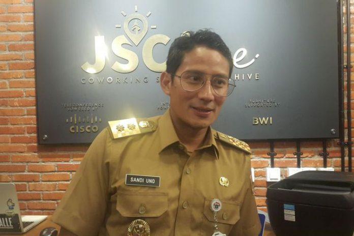 KOMPAS.com/NURSITA SARI Wakil Gubernur DKI Jakarta Sandiaga Uno di Jakarta Smart City Hive, Kuningan, Jakarta Selatan, Selasa (24/10/2017).
