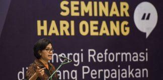 Menteri Keuangan Sri Mulyani menjadi pembicara utama dalam seminar di Kementerian Keuangan, Jakarta, Rabu (25/10). (ANTARA/Hafidz Mubarak A)