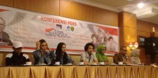Bastian Steel, Aldi Maldini, dan Dewi Dewi saat menggelar konferensi pers jelang konser kebangsaan di Samarinda, Kaltim, Jumat (27/10/2017).(kompas.com / Gusti Nara)