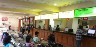Suasana di ruang pelayanan pengurusan Buku Pemilikan Kendaraan Bermotor (BPKB) di Direktorat Lalu Lintas Mapolda Metro Jaya, Jakarta, Senin (13/11/2017)KompasOtomotif/Alsadad Rudi Suasana di ruang pelayanan pengurusan Buku Pemilikan Kendaraan Bermotor (BPKB) di Direktorat Lalu Lintas Mapolda Metro Jaya, Jakarta, Senin (13/11/2017)