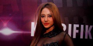 Penyanyi dangdut Dewi Persik.(BANAR FIL ARDHI)