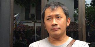 Hanung Bramantyo saat diwawancarai di kawasan Duren Tiga, Jakarta Selatan, Sabtu (4/11/2017).(Kompas.com/Ira Gita)