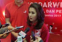 Ketua Umum Partai Solidaritas Indonesia (PSI) Grace Natalie saat menghadiri acara Kopi Darat Wilayah PSI DKI Jakarta, di Hotel Novotel, Jakarta, Sabtu (26/8/2017). (KOMPAS.com/Kristian Erdianto)